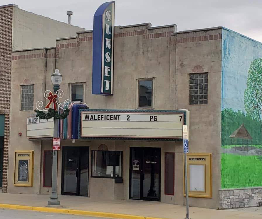 Sunset Theatre in Sumner